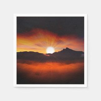Guardanapo De Papel A montanha do por do sol mostra em silhueta o