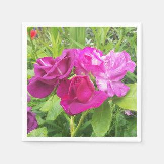 Guardanapo de papel com imagem do rosa do rosa e