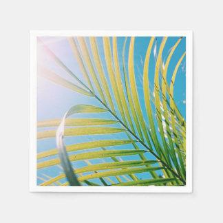 Guardanapo de papel da folha ensolarada positiva