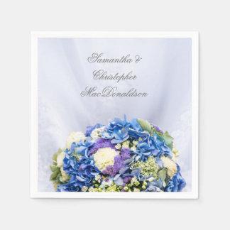 Guardanapo De Papel Flores azuis e brancas e vestido de casamento