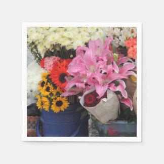 Guardanapo De Papel Mercado da flor do Ecuadorian na plaza da igreja