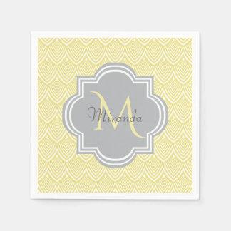 Guardanapo De Papel Nome cinzento do monograma dos Scallops amarelos