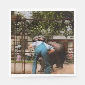 Guardanapo De Papel O animal - hipopótamo - ser humano estúpido engana