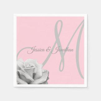 Guardanapo De Papel Personalizado cora o casamento Monogrammed do rosa