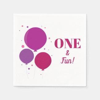 Guardanapo de papel roxos do aniversário | um e do