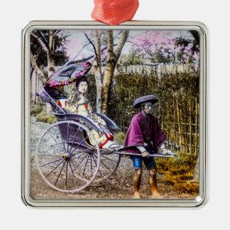 Gueixa do vintage que viaja no rickshaw Japão Ornamento De Metal