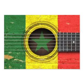 Guitarra acústica velha com bandeira de Senegal Convite