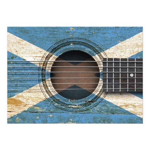 Guitarra acústica velha com bandeira escocesa convite personalizados
