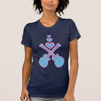 Guitarra bonitos & corações cor-de-rosa & azuis t-shirt