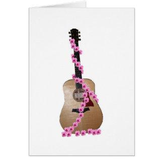 Guitarra com notecard dos rosas cartão comemorativo