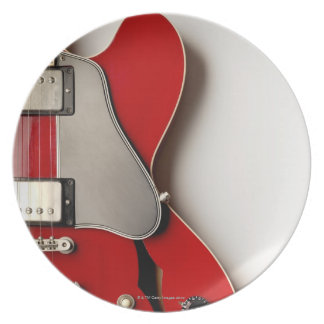 Guitarra elétrica 12 prato de festa