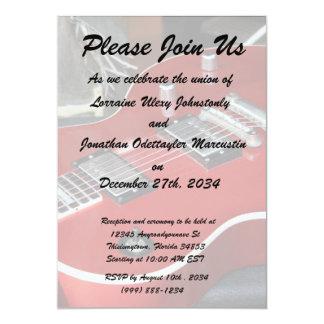 Guitarra vermelha no ampère convite