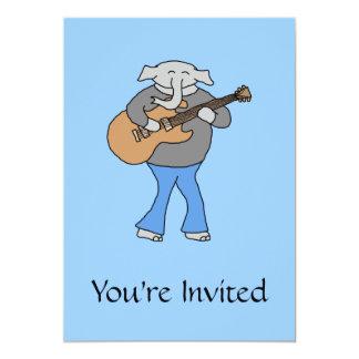 Guitarrista. Elefante que joga a guitarra elétrica Convite 12.7 X 17.78cm
