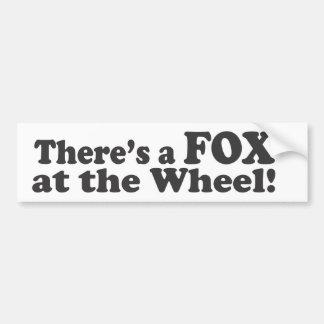 Há uma RAPOSA na roda! Adesivo Para Carro