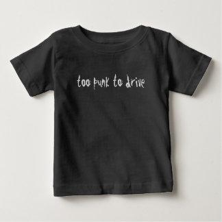 Habilidades de condução engraçadas da camisa do Te