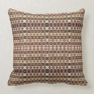 "HAMbyWG - travesseiro 20"" Brown tribal/olhar bege Almofada"