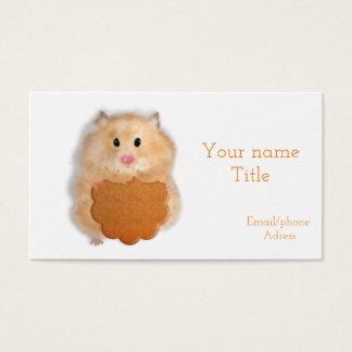 Hamster com cartão de visita do biscoito