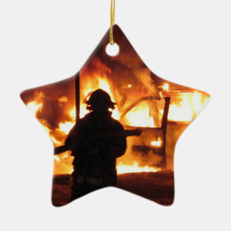 Handline do sapador-bombeiro ornamento de cerâmica estrela