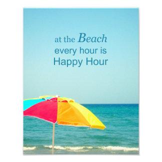 Happy hour da praia que diz a foto