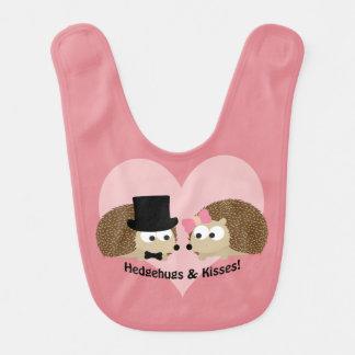 Hedgehugs e casal do ouriço dos beijos babadores para bebes