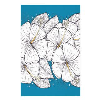 Hibiscus com o céu azul do paraíso papelaria