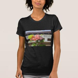 Hibiscus mexicano tshirts