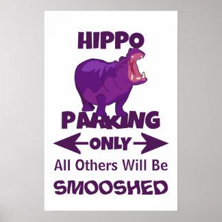 Hipopótamo que estaciona somente o poster do sinal