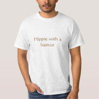 Hippie com um corte de cabelo tshirt