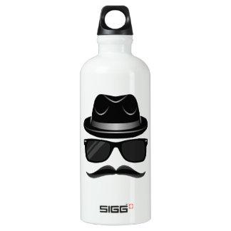 Hipster legal com bigode, chapéu e óculos de sol