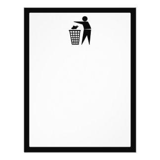 Homem do lixo que despeja o lixo de papel panfleto personalizado