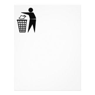 Homem do lixo que despeja o lixo de papel modelo de panfleto