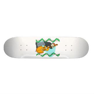 Homem dos desenhos animados que joga o baixo ereto skate