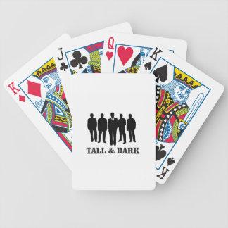 homens altos e escuros jogo de baralho