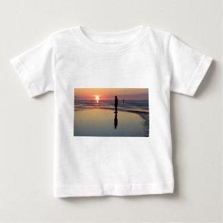 Homens no por do sol, Crosby do ferro, Liverpool T-shirts