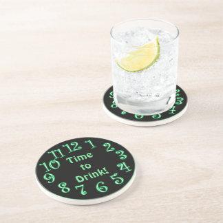 Horas de néon verde beber a porta copos