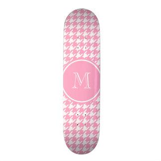 Houndstooth cor-de-rosa e branco feminino seu skate personalizado