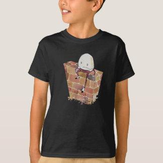 Humpty que pensa o sobre camiseta