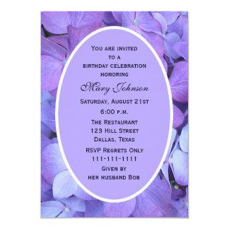 Hydrangeas adultos do roxo da festa de aniversário convite 12.7 x 17.78cm
