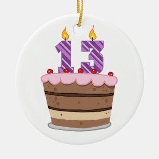 Idade 13 no bolo de aniversário ornamento de cerâmica redondo