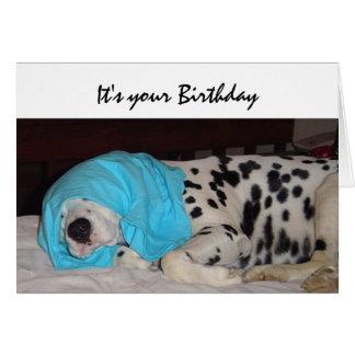 Idade avançada nao feliz, humor do aniversário com cartão