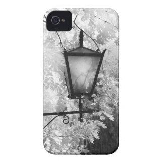 Ideia preta & branca do dispositivo elétrico claro capinhas iPhone 4