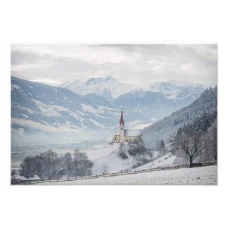 Igreja em Zillertal no impressão da foto do