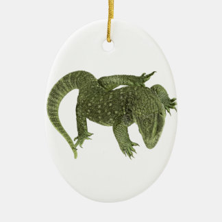 Iguana Sneaky de Galápagos Ornamento De Cerâmica Oval