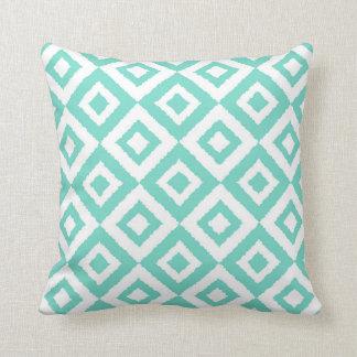 Ikat esquadrou o travesseiro decorativo de almofada