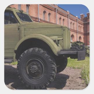 Ilha de Kronverksky, museu da artilharia, caminhão Adesivo Quadrado