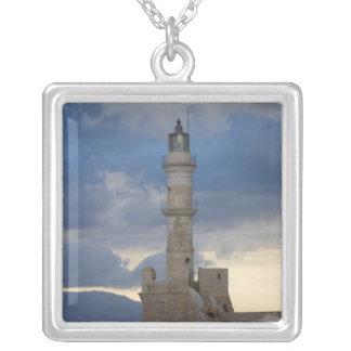 Ilha grega de Crete e da cidade velha de Chania 2 Colar Com Pendente Quadrado