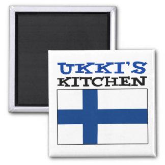 Imã A cozinha de Ukki com a bandeira de Finlandia