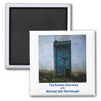 Imã A entrada quebrada com cinza Sharbaugh de Michael