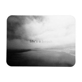 Ímã A vida é uma praia - foto tipográfica preto e