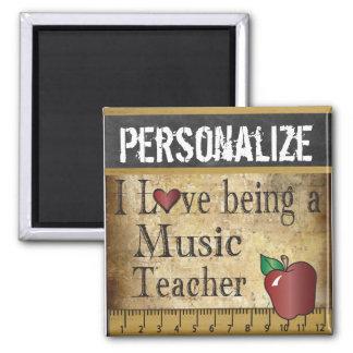 Imã Amor que é um professor de música